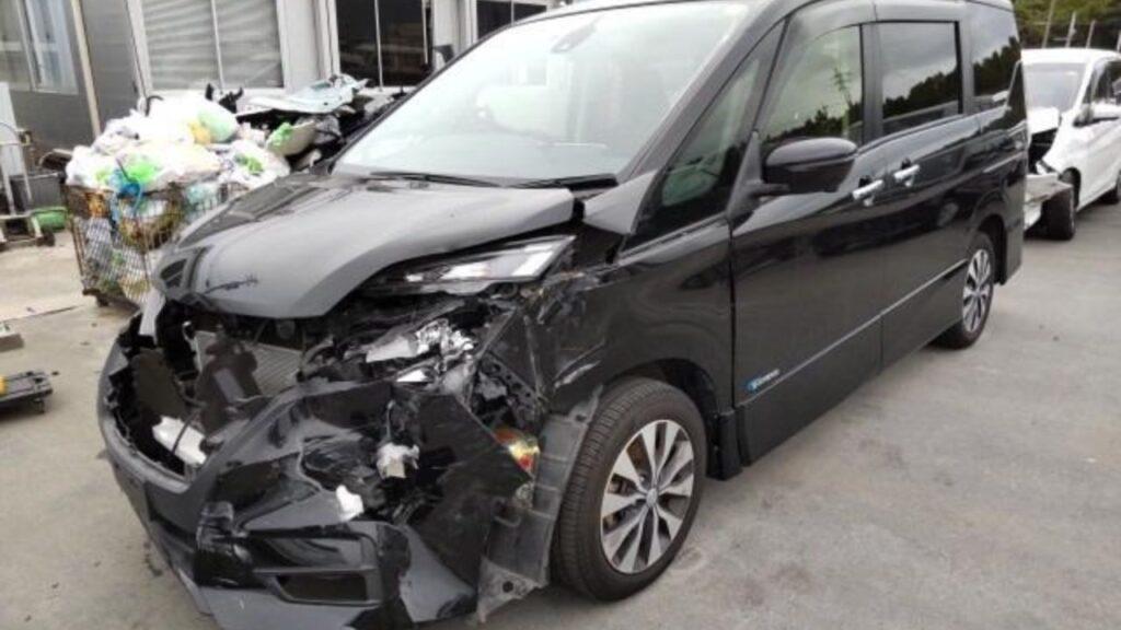 Don't Buy Damage Nissan Serena