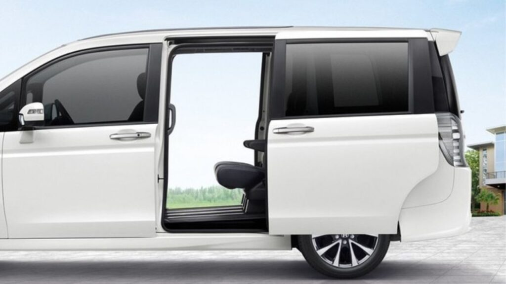 Honda Stepwagon Specifications and Features