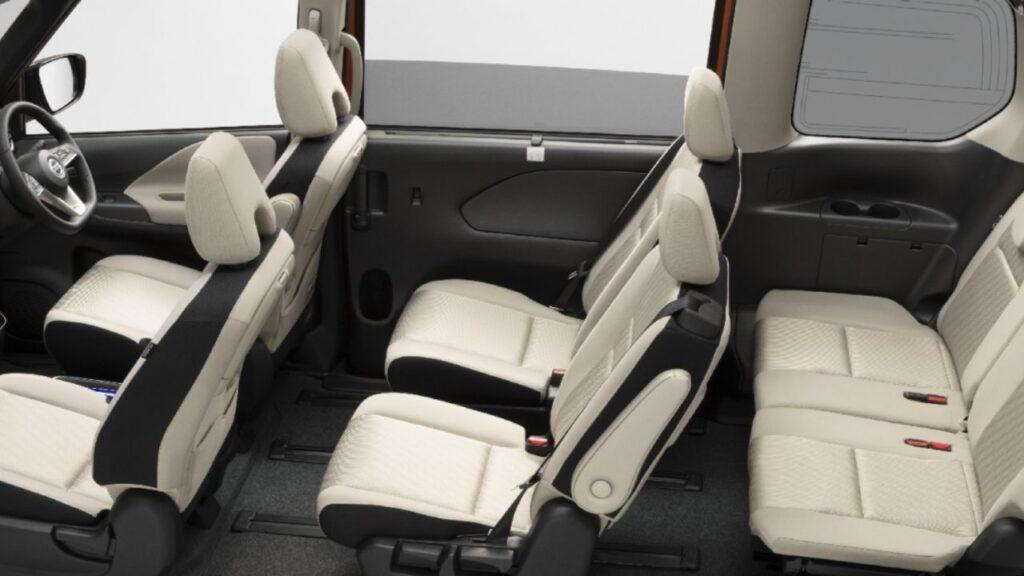 Nissan Serena Interior