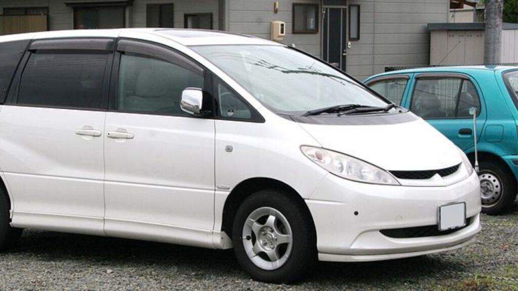 Toyota Estima Body Style
