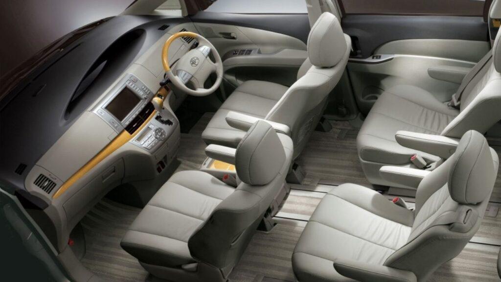Toyota Estima Interior