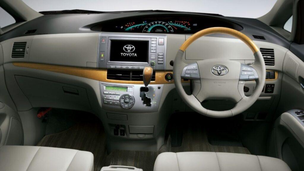 Toyota Estima Specifications & Features